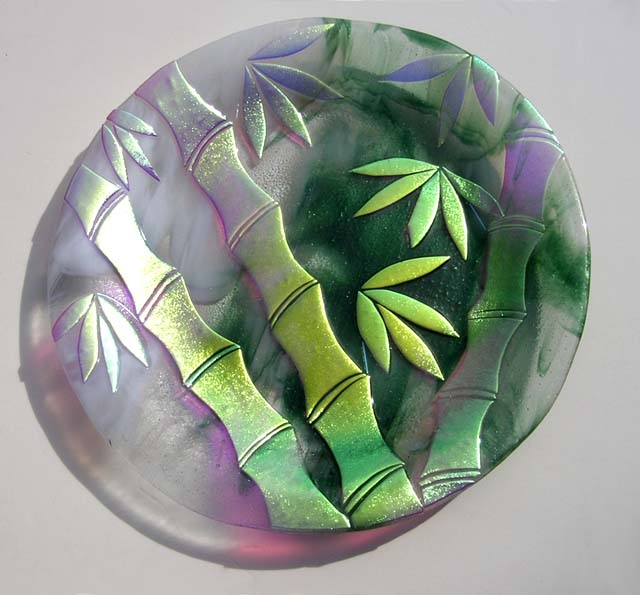 Kiln-Formed-Glass-Plate-with-Dichroic-Bamboo-Design