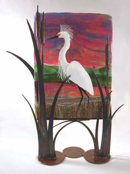 Kiln-formed-Snowy-Egret-in-Metal-Stand
